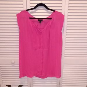 Worthington hit pink sleeveless blouse